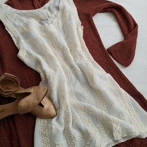 Tops - Cream boho style lace tank top